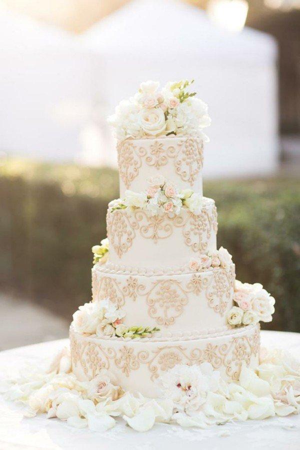 bolos-de-casamentos-com-flores-naturais-1